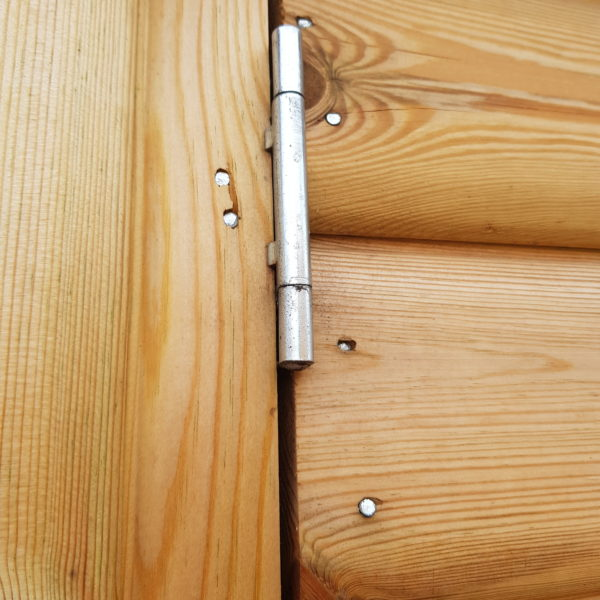 internal hinge